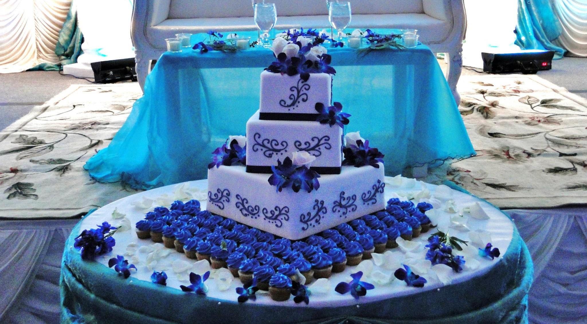 speciality-wedding-cake-e1389724333940